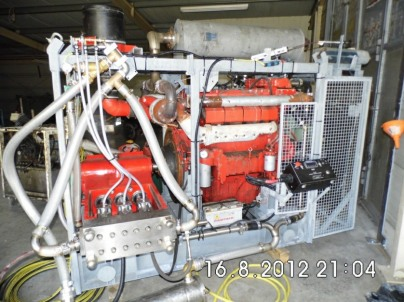 Autmundis Strahlanlage 380 PS, 2800 Bar@46 LPM oder 1400 Bar@99 LPM, mit Deutz V-8 Dieselmotor
