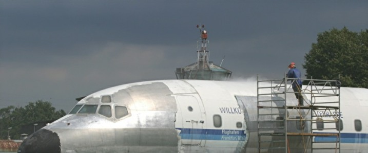 DC-8 Museum Plane, Paint Stripping 2500 Bar